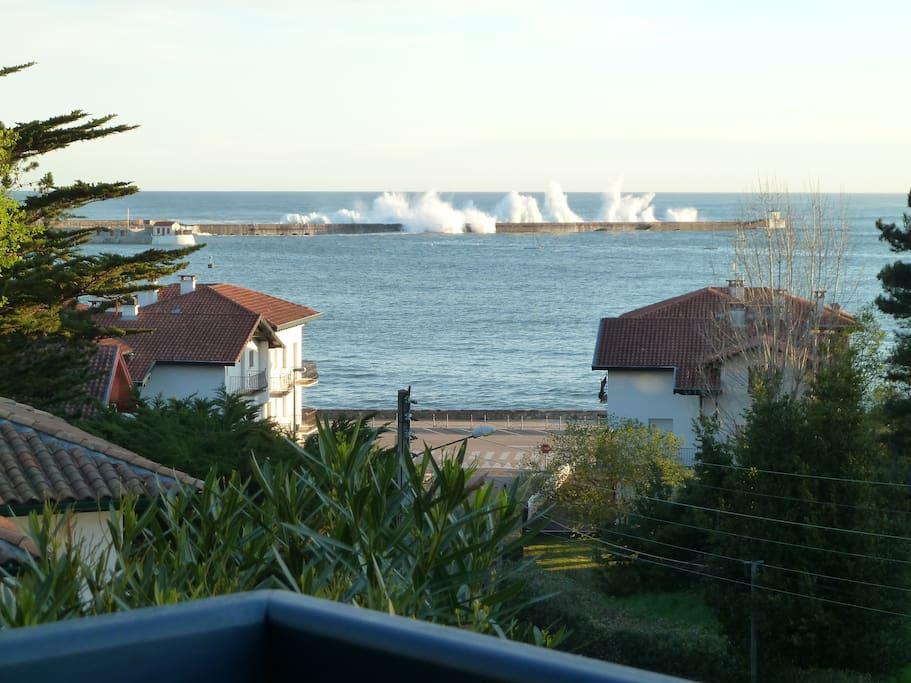 La baie de Ciboure / St jean de Luz, vue de l'angle de la terrasse.