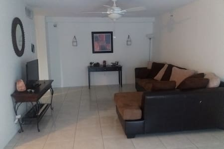 The Prado Condominiums - Miami - Bed & Breakfast
