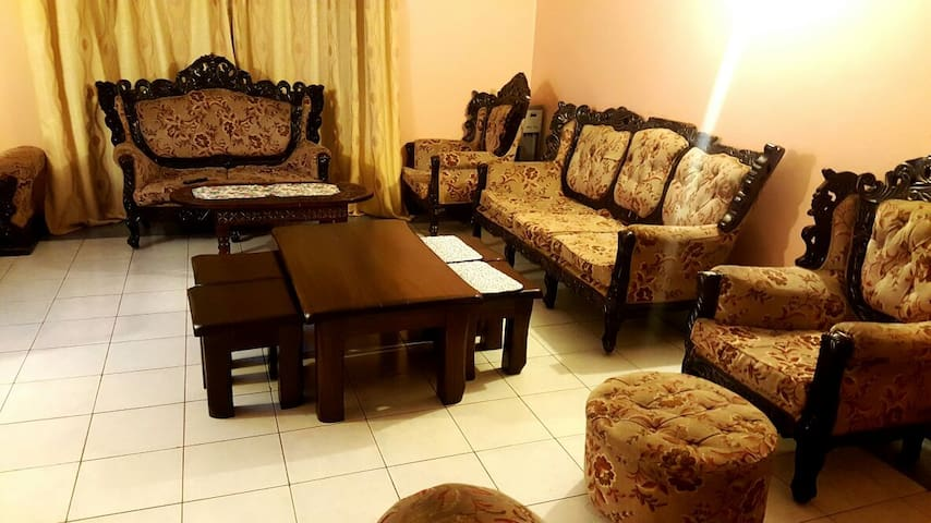 SECURE AND CLEAN DOUBLE ROOM IN NAIROBI