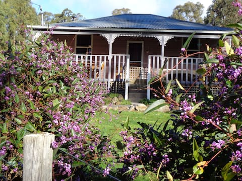 Post House  Cottage - 10 Minutes to Mount Field