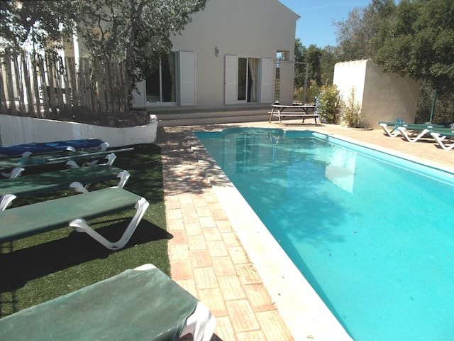 Modern secluded 3-bed villa + 10x4 pool - Llacs - Casa