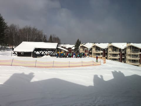 Stratton Lux True Ski In/out Condo  100 ft to lift