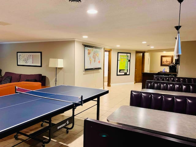 Private lower level guest suite! Plenty of space!