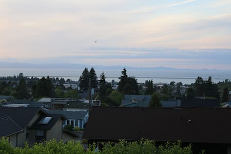 Basement Studio with Water View - Port Angeles