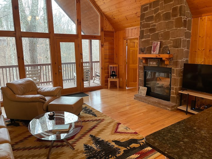 New Owner! Cozy Classic Cabin! Well Maintained!