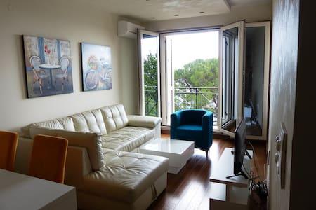 Lux beachFront apartment 24 - Petrovac - Apartamento