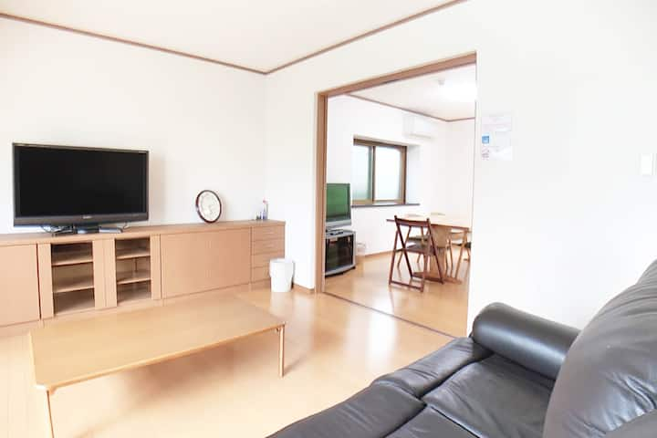 IFVH Spacious 4 bedroom house 12min Miyajima ferry