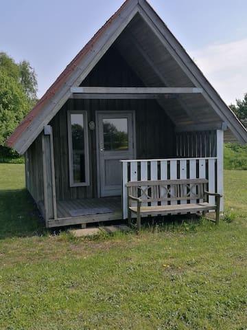 Hyggelig hytte i rolige omgivelser - Cosy cabin