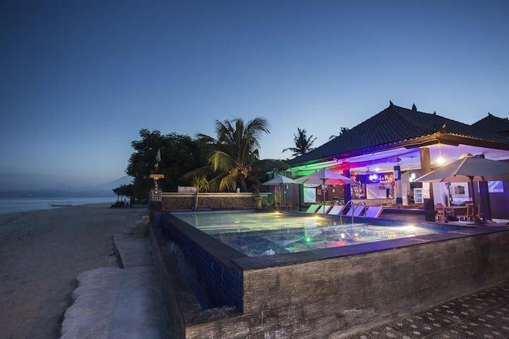Great Beach Pool Resort in Lembongan