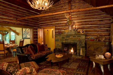 Peaceful Cabin Retreat Near DC - Potomac - Hytte