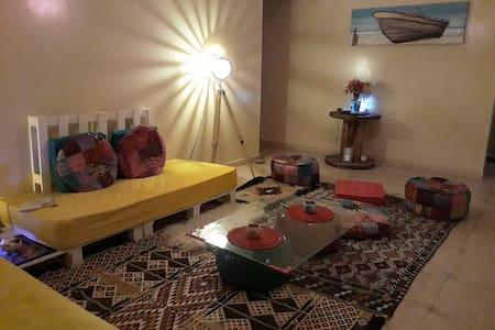 Twin Bedroom Clean and Quiet