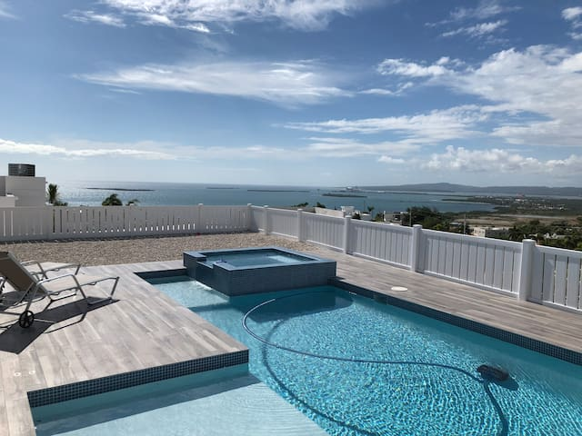 Beautiful Ocean View  Property with Pool