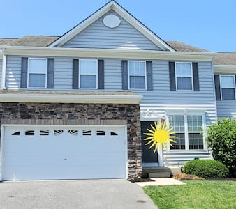 Beautiful, 4 Bedroom Home-Great for Families!