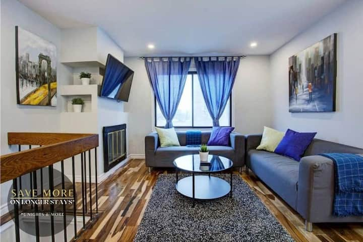 Stella Stays | Brilliant 2 Floor Home | Downtown MTL | Parking