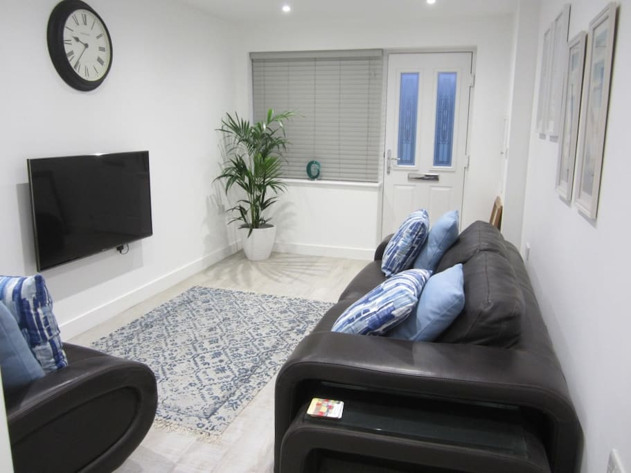 Wifi  in all rooms, Freeview with Smart TV Books, Magazines and  Board Games if you just want to Relax.