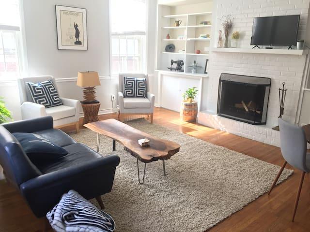 Spectacular Rittenhouse 2 Bedroom Apartment Apartments For Rent In Philadelphia Pennsylvania
