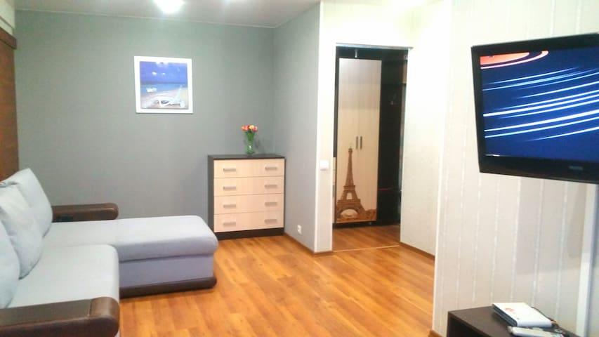 2х комн.квартира на дв.Спорта/новый ремонт.