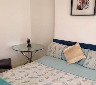Amazing SEAFRONT Room, Kingsize Bed, VEGGIE - Bournemouth