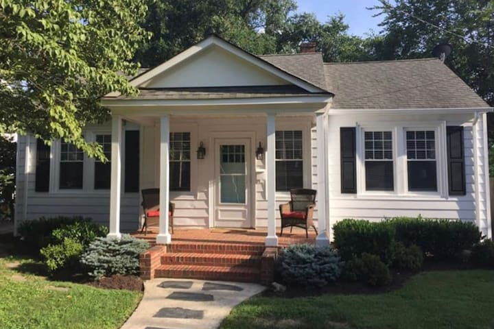Cozy Richmond Classic located in Northside!