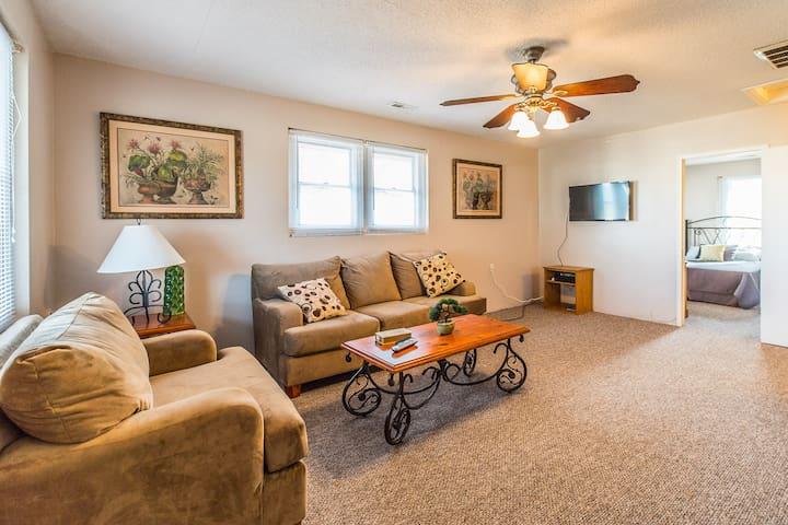 Urban West-End Cottage - Greenville - Hus