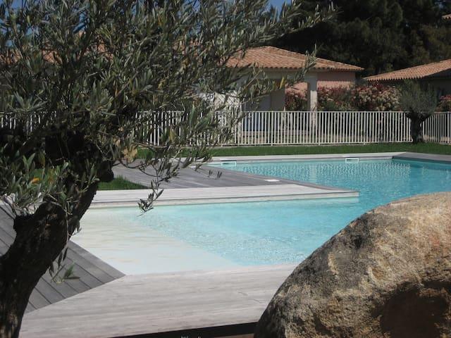 Rez De Jardin tout confort CLIM et grande piscine