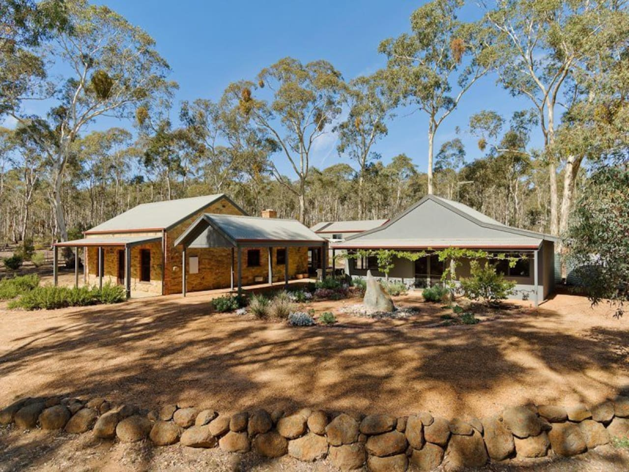 Mopoke Cottage & Studio