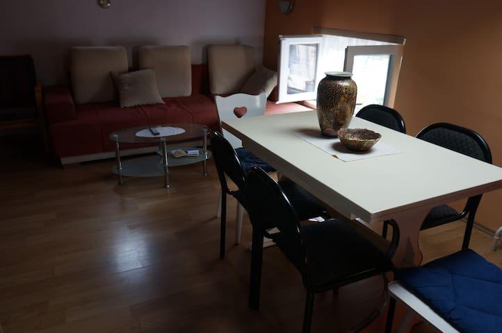 Apartman kod Granda sa doručkom