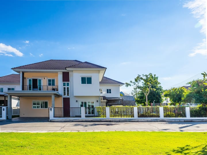 Family house for 6 ★ Big yard & Playground & Peace