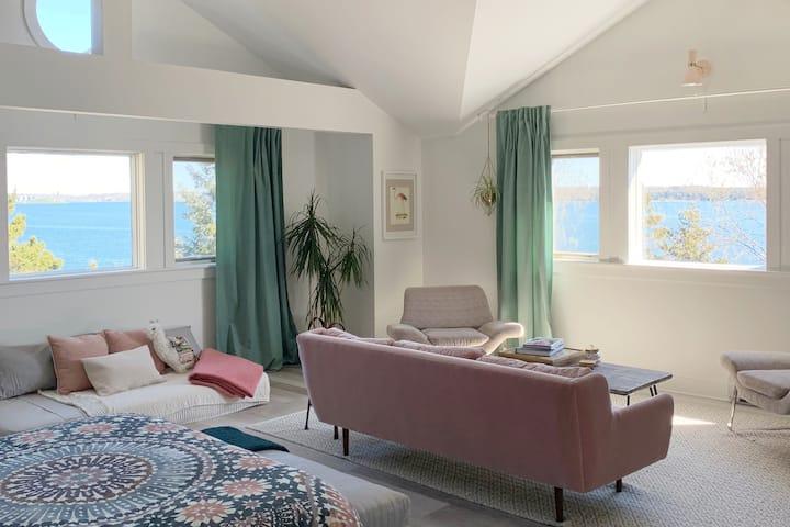 Beautiful Oceanfront Suite