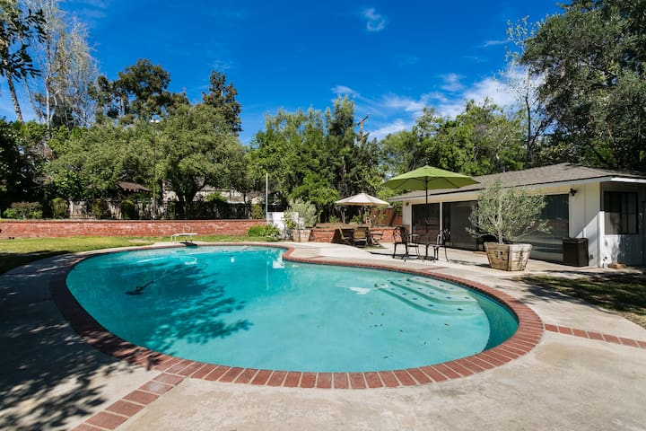 Mid Century Guest House with Pool - Pasadena - Casa