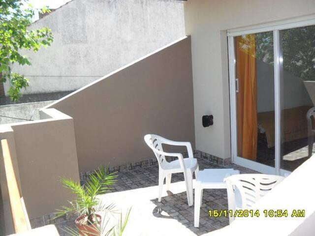 Departamento, 2 (Dos) Ambientes Con Balcón Terraza