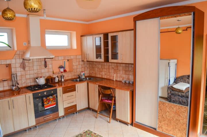 Апартаменты в отдельной части дома, Berehove