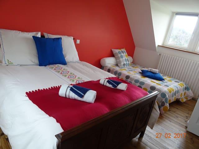 Chambre 3 : vue des 2 lits