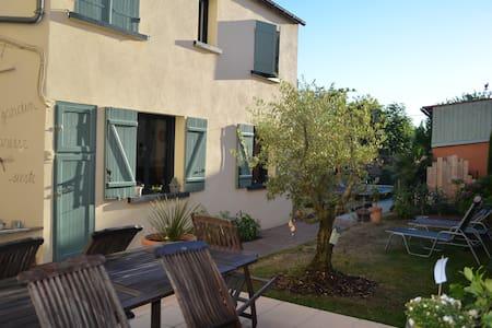 Location 1 ou 2 chambres avec piscine - Chantonnay