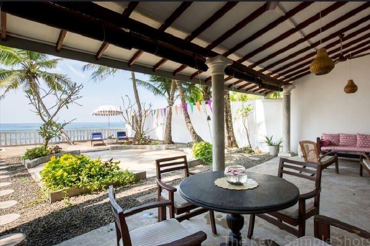 The Key, 2 bed luxury beach house - Talpe - Casa