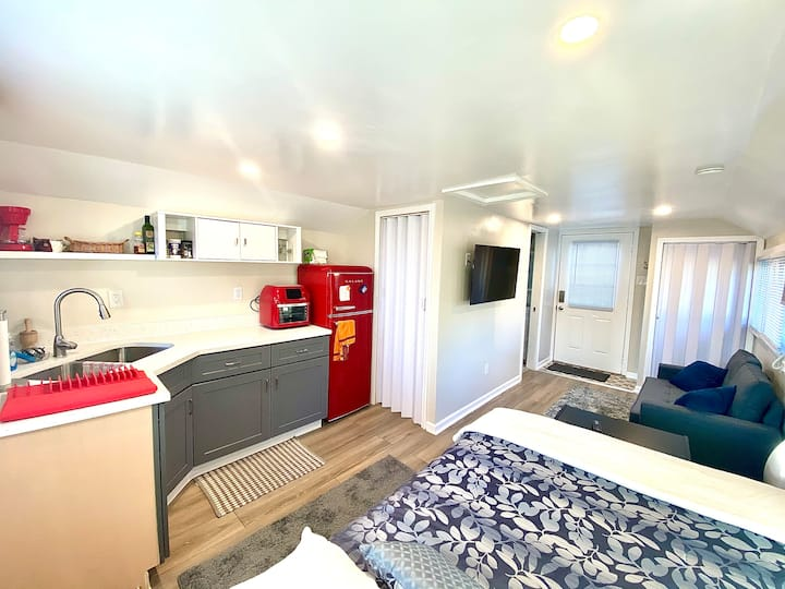 1954 Tiny Home near Indianapolis Motor Speedway
