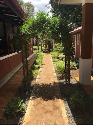Villa to Access Sigiriya !!! - Dambulla - Flat