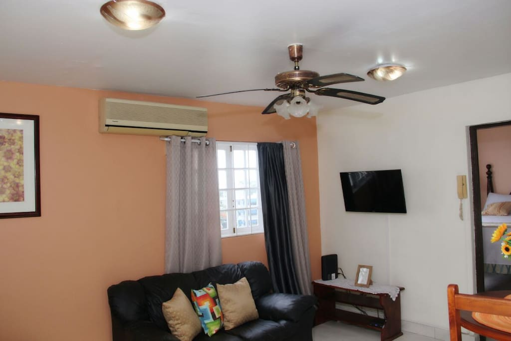 Enjoy in comfort and style cable TV, airconditioned living room