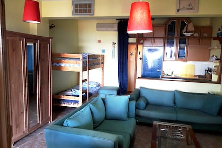 Amazing Apartment just TWO STEPS From The Beach! - Ierissos - 公寓