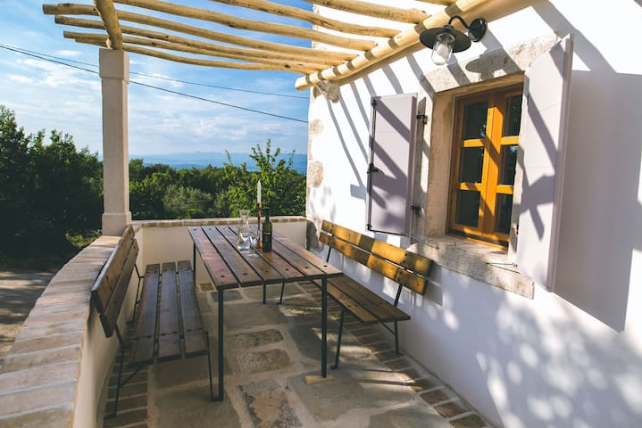 Beautiful private house for 3-5 persons (119) - Hlapa - House
