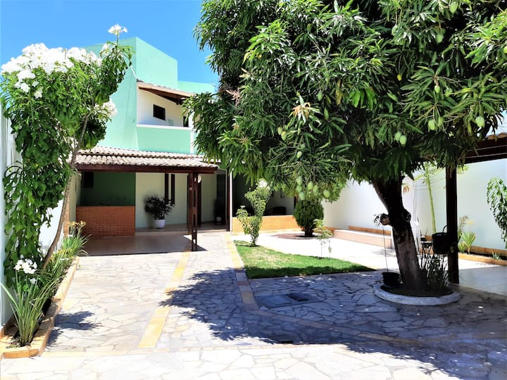 Bela casa em Aracaju, localizada próximo à Praia