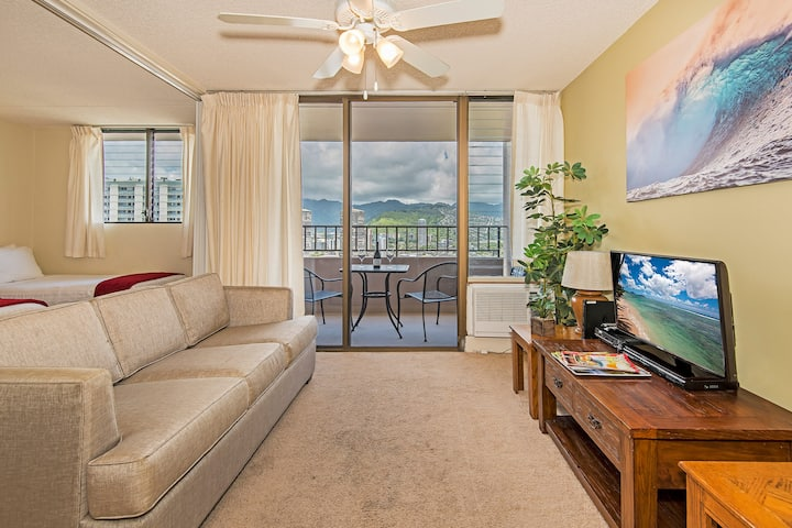 *Professionally Sanitized**Royal Kuhio~Great Views+Lanai+Full Kitchen+Parking - Royal Kuhio City 1 BDR on the 24th Floor