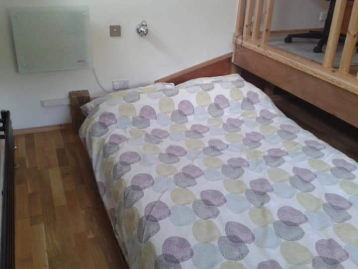 Double room, 7' bed, lovely view