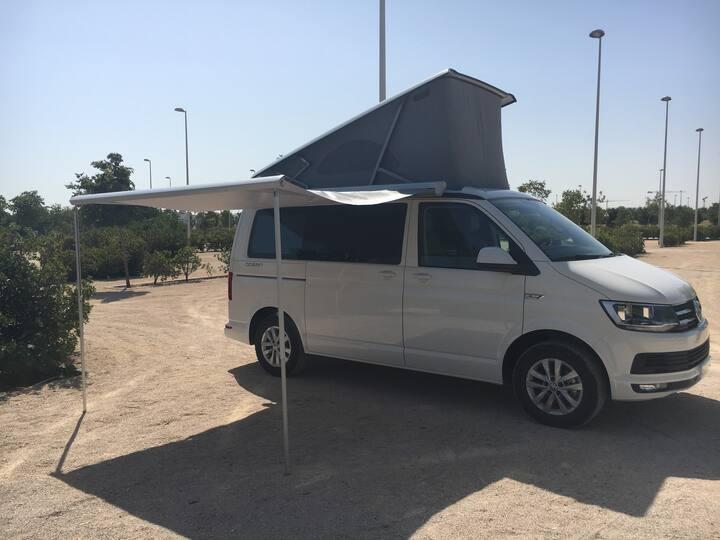 VW California Ocean T6 en alquiler en Madrid