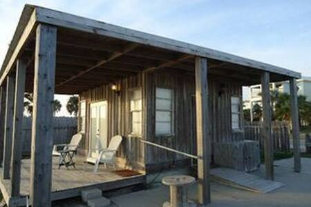 The Brass Turtle Lodge - Heron Hut