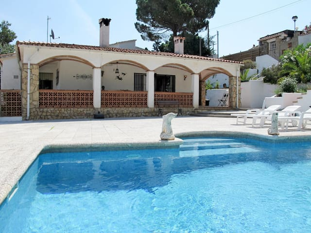 Detached house in Playa de Pals for 8 persons