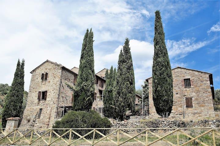 Borgo Monteluce Villa - Passignano Sul Trasimeno - House