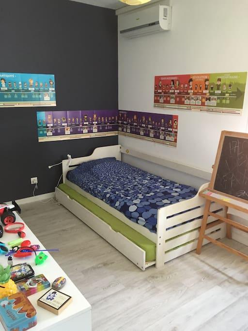 Chambre deux couchages simples