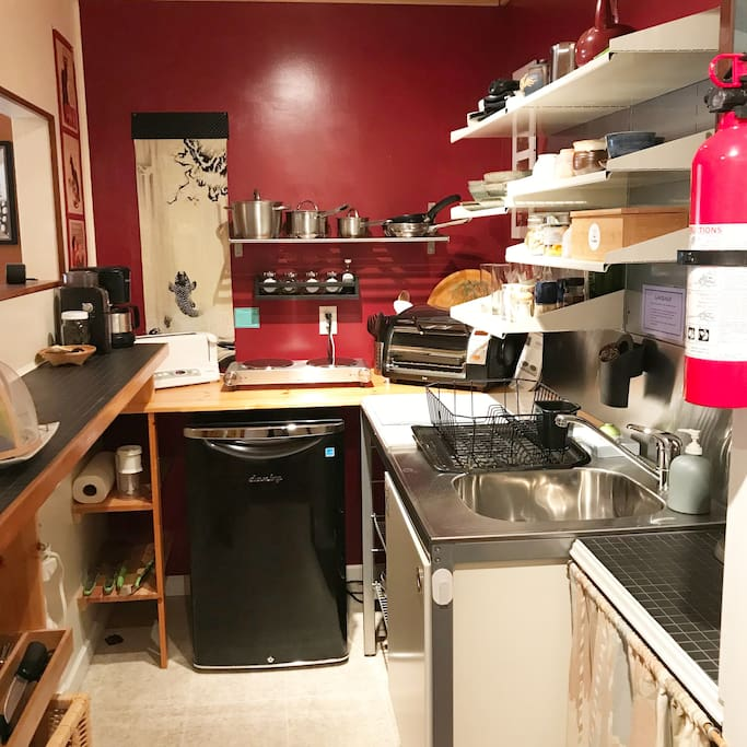Guests can make themselves a simple breakfast in the small kitchenette