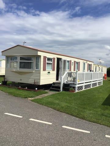 Homely 4 berth caravan, Ty Gwyn Caravan Park,